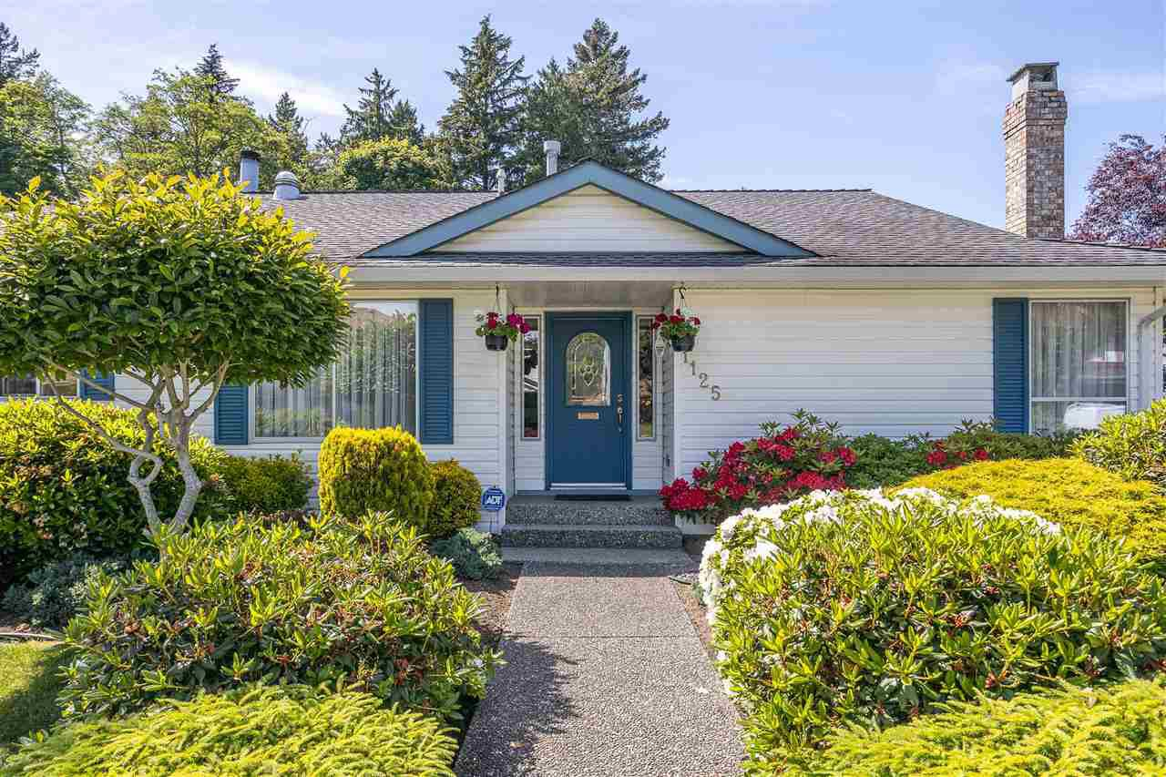"Main Photo: 1125 163 Street in Surrey: King George Corridor House for sale in ""MCNALLY CREEK"" (South Surrey White Rock)  : MLS®# R2461852"