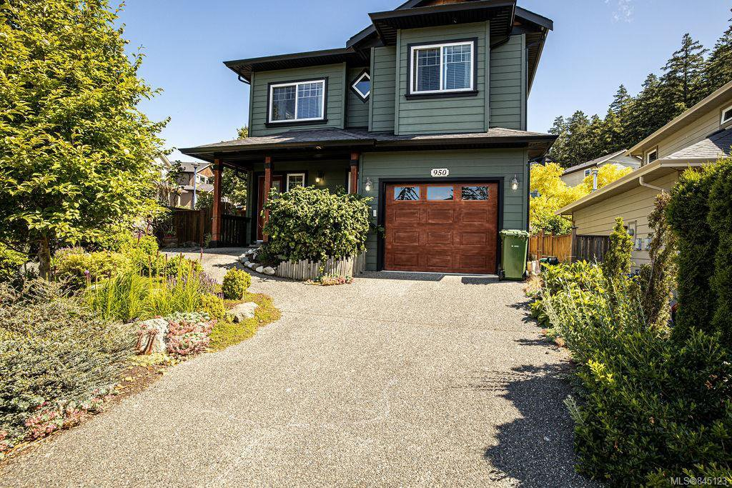 Main Photo: 950 Thrush Pl in Langford: La Happy Valley House for sale : MLS®# 845123