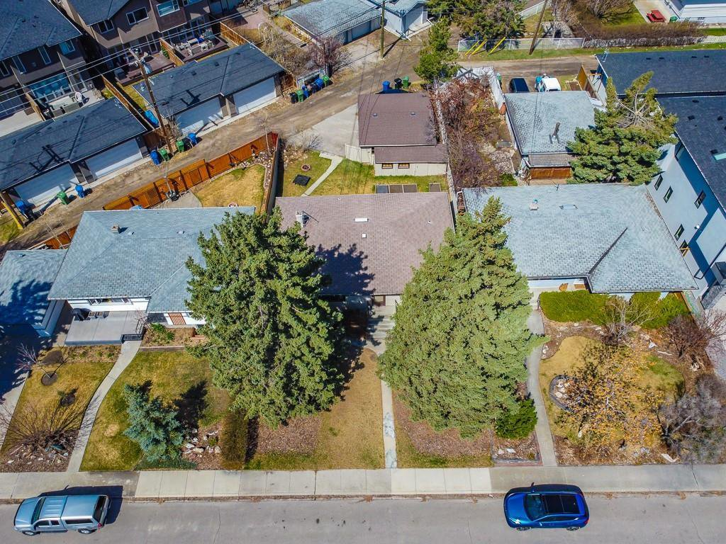 Main Photo: 527 35A Street NW in Calgary: Parkdale Detached for sale : MLS®# A1015681
