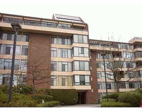 Main Photo: 402 2101 MCMULLEN AV in Vancouver West: Home for sale : MLS®# V607813