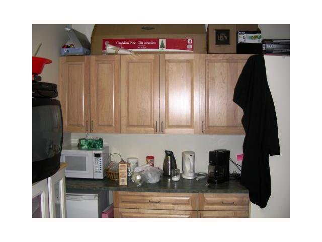 Photo 8: Photos: 2 539 QUEENSLAND Drive SE in Calgary: Queensland Business Only for sale : MLS®# C1025361
