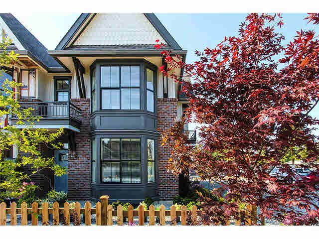 """Main Photo: 33 33460 LYNN Avenue in Abbotsford: Central Abbotsford Townhouse for sale in """"ASTON ROW"""" : MLS®# F1440584"""
