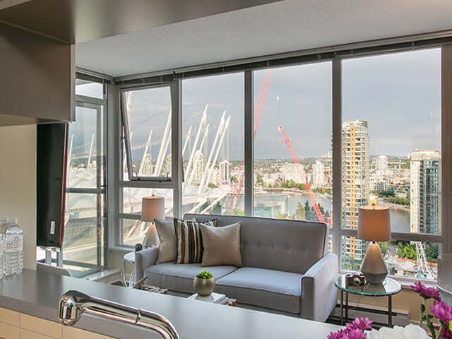 """Photo 3: Photos: 2705 928 BEATTY Street in Vancouver: Yaletown Condo for sale in """"THE MAX"""" (Vancouver West)  : MLS®# V1125500"""