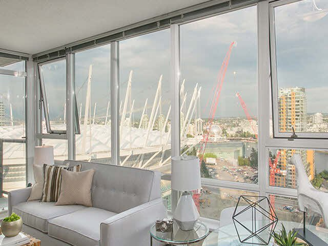 """Photo 1: Photos: 2705 928 BEATTY Street in Vancouver: Yaletown Condo for sale in """"THE MAX"""" (Vancouver West)  : MLS®# V1125500"""