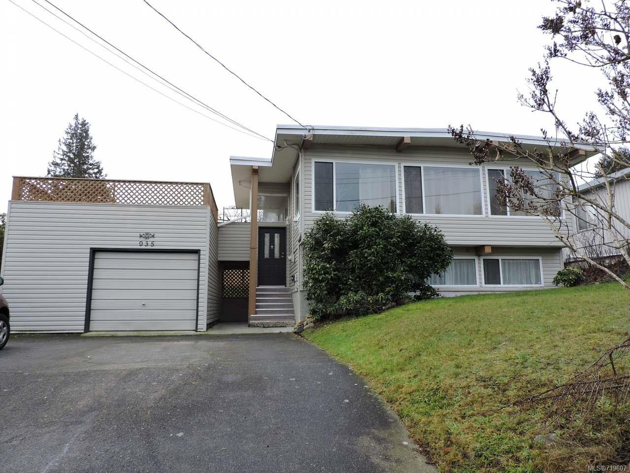 Photo 2: Photos: 935 Beach Dr in NANAIMO: Na Departure Bay House for sale (Nanaimo)  : MLS®# 719607