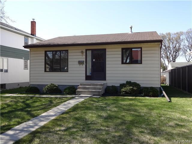 Main Photo: 236 Kimberly Avenue in Winnipeg: East Kildonan Residential for sale (North East Winnipeg)  : MLS®# 1611592
