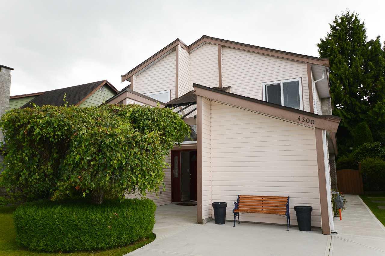 "Main Photo: 4300 WINDJAMMER Drive in Richmond: Steveston South House for sale in ""STEVESTON SOUTH"" : MLS®# R2080921"