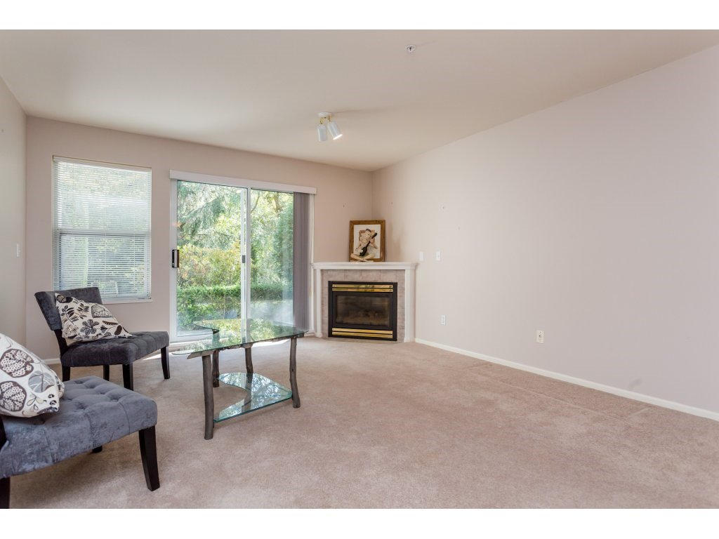 "Photo 4: Photos: 114 27358 32ND Avenue in Langley: Aldergrove Langley Condo for sale in ""Willow Creek"" : MLS®# R2112744"