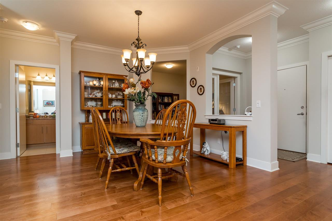 """Photo 6: Photos: 101 16499 64 Avenue in Surrey: Cloverdale BC Condo for sale in """"ST. ANDREWS At Northview"""" (Cloverdale)  : MLS®# R2133630"""