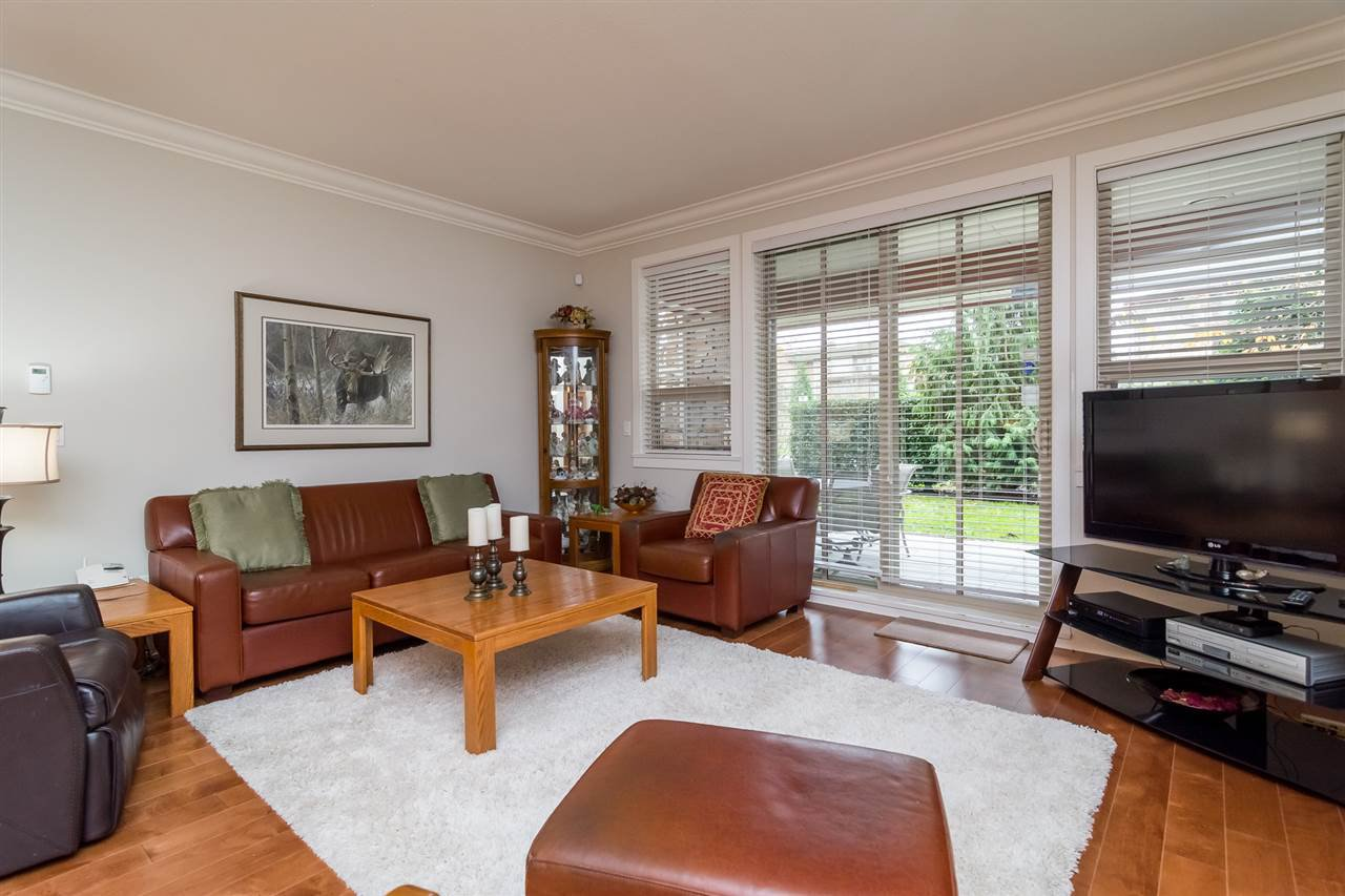 """Photo 7: Photos: 101 16499 64 Avenue in Surrey: Cloverdale BC Condo for sale in """"ST. ANDREWS At Northview"""" (Cloverdale)  : MLS®# R2133630"""