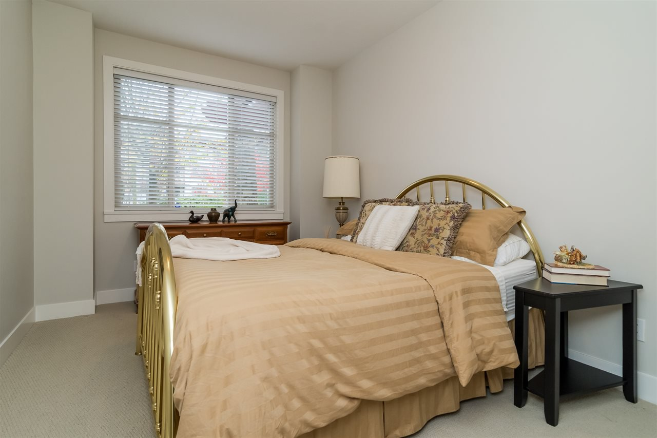 """Photo 13: Photos: 101 16499 64 Avenue in Surrey: Cloverdale BC Condo for sale in """"ST. ANDREWS At Northview"""" (Cloverdale)  : MLS®# R2133630"""