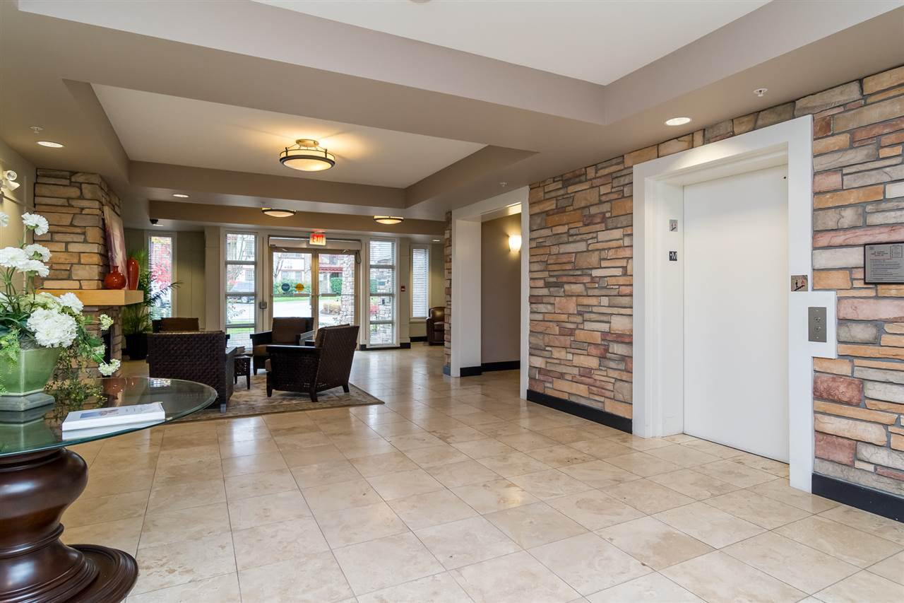 """Photo 2: Photos: 101 16499 64 Avenue in Surrey: Cloverdale BC Condo for sale in """"ST. ANDREWS At Northview"""" (Cloverdale)  : MLS®# R2133630"""