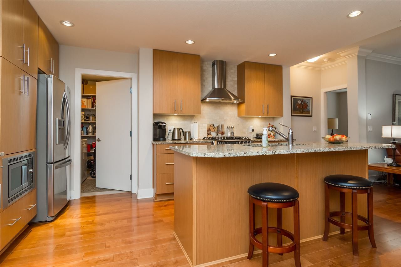 """Photo 4: Photos: 101 16499 64 Avenue in Surrey: Cloverdale BC Condo for sale in """"ST. ANDREWS At Northview"""" (Cloverdale)  : MLS®# R2133630"""