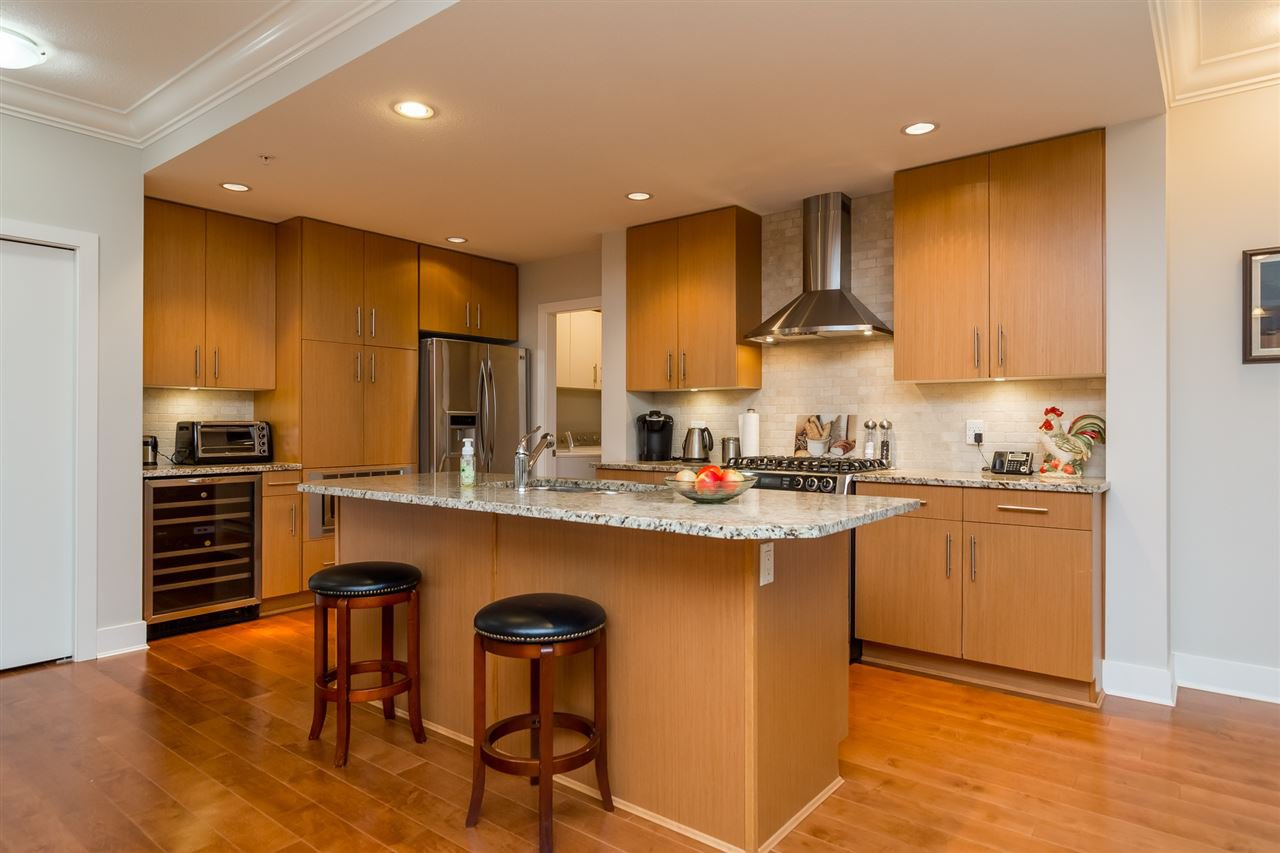 """Photo 3: Photos: 101 16499 64 Avenue in Surrey: Cloverdale BC Condo for sale in """"ST. ANDREWS At Northview"""" (Cloverdale)  : MLS®# R2133630"""