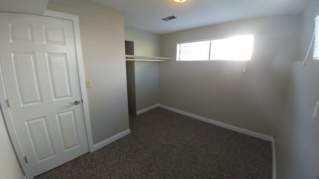 Photo 4: Photos: 7618 Eider St BSMT in Mission: Condo for rent