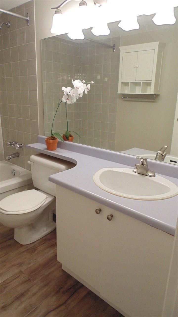 "Photo 10: Photos: 308 7175 134 Street in Surrey: West Newton Condo for sale in ""Sherwood Manor"" : MLS®# R2186794"