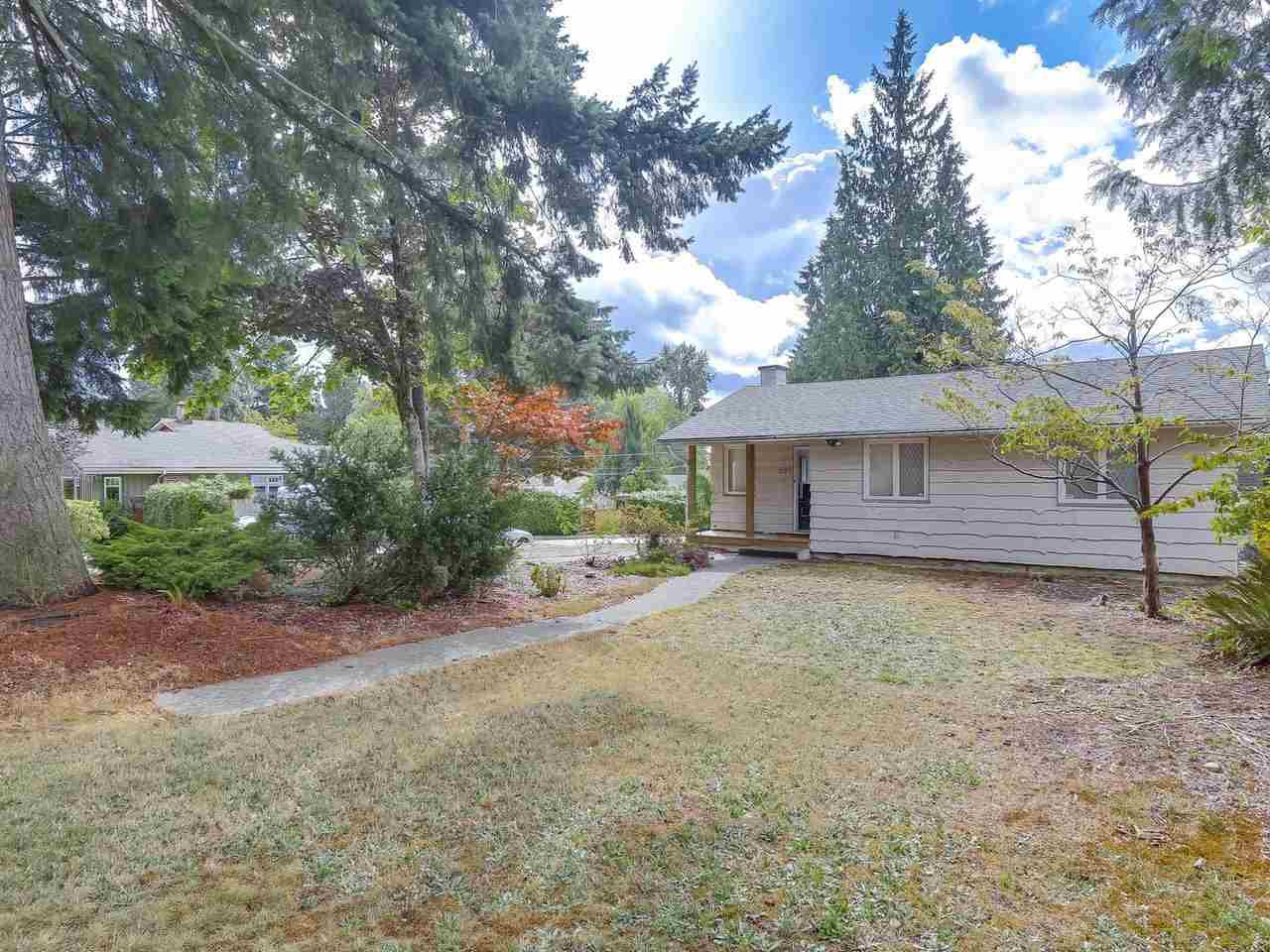 """Main Photo: 893 E 13TH Street in North Vancouver: Boulevard House for sale in """"Boulevard"""" : MLS®# R2209399"""