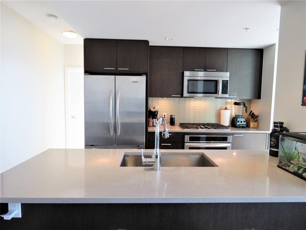 "Photo 2: Photos: 2107 2975 ATLANTIC Avenue in Coquitlam: North Coquitlam Condo for sale in ""GRAND CENTRAL 3"" : MLS®# R2217722"