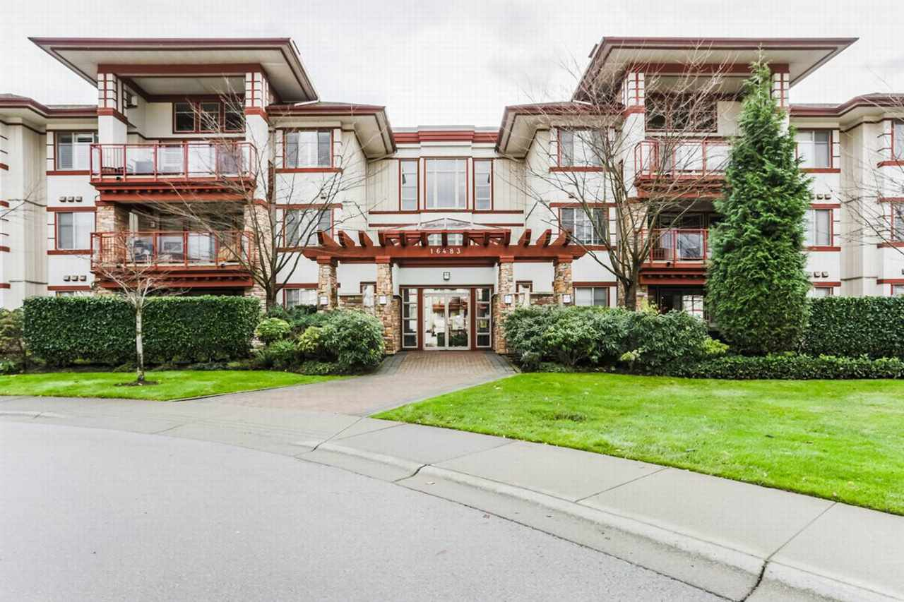 Main Photo: 206 16483 64 Avenue in Surrey: Cloverdale BC Condo for sale (Cloverdale)  : MLS®# R2229657