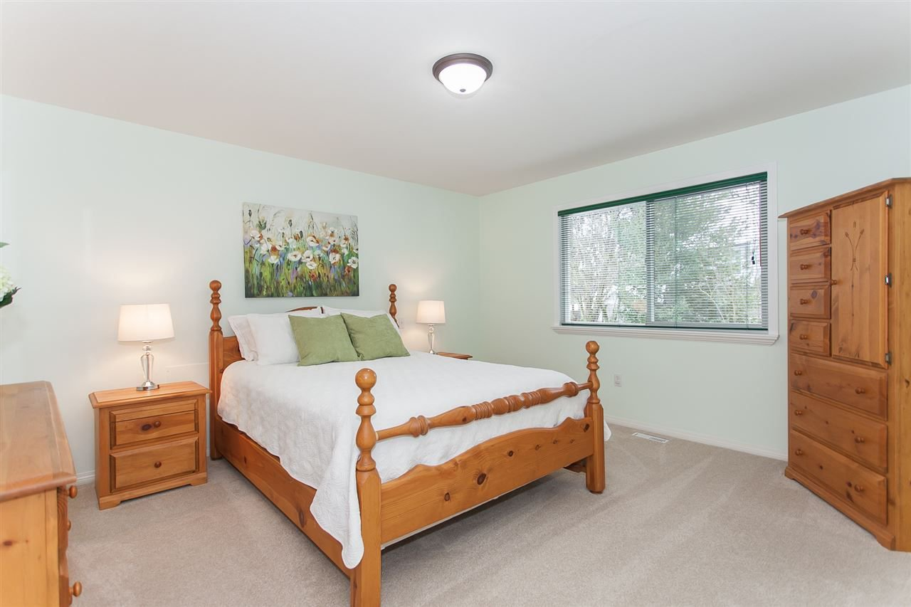 "Photo 13: Photos: 21752 47B Avenue in Langley: Murrayville House for sale in ""Murrayville"" : MLS®# R2238949"