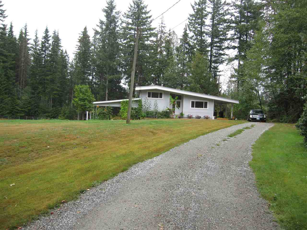 Main Photo: 29907 DEWDNEY TRUNK Road in Mission: Stave Falls House for sale : MLS®# R2250295