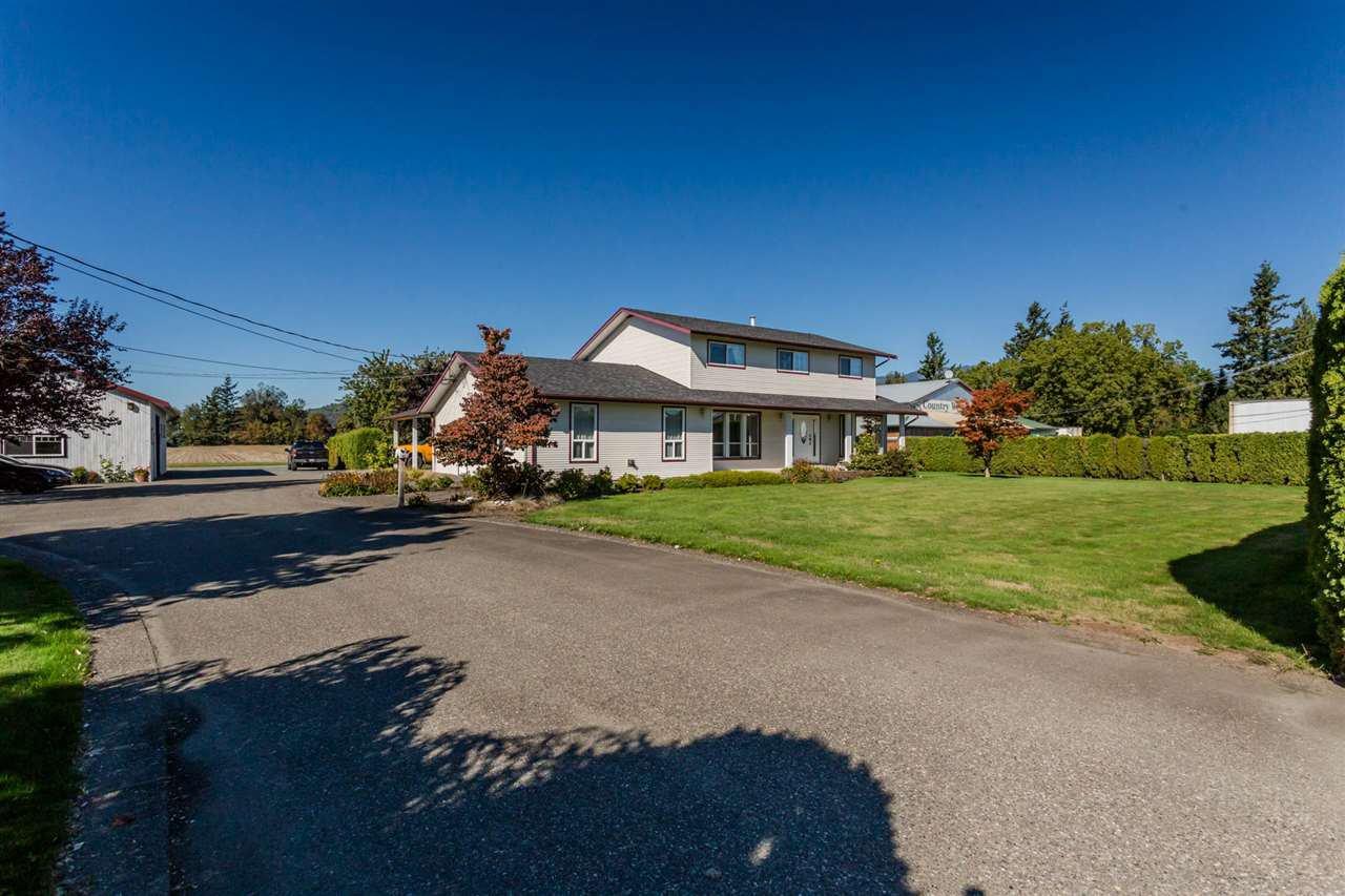 Main Photo: 7665 EVANS Road in Sardis: Sardis West Vedder Rd House for sale : MLS®# R2251074