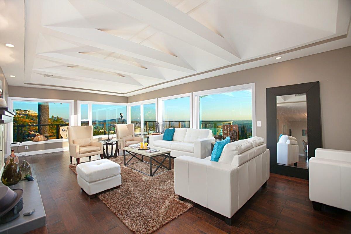 Main Photo: MOUNT HELIX House for sale : 4 bedrooms : 9494 Ridgecrest Dr in La Mesa