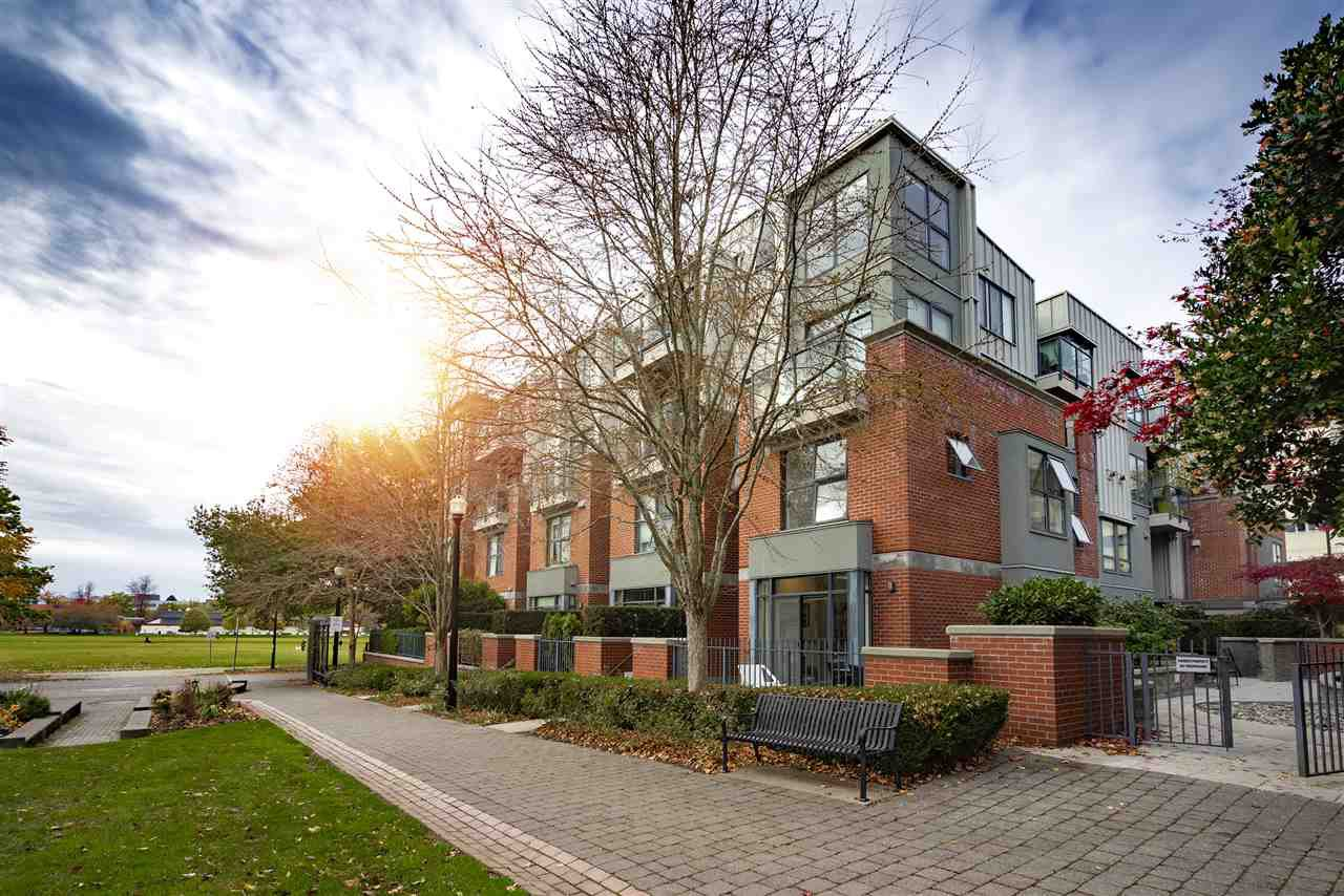 """Main Photo: 108 2688 VINE Street in Vancouver: Kitsilano Townhouse for sale in """"TREO"""" (Vancouver West)  : MLS®# R2318408"""