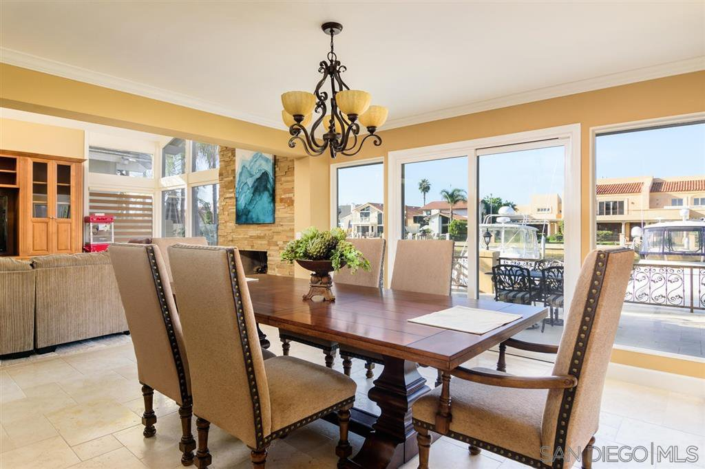 Photo 8: Photos: CORONADO CAYS House for sale : 4 bedrooms : 39 Green Turtle Road in Coronado