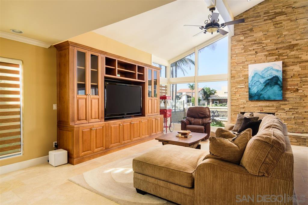 Photo 4: Photos: CORONADO CAYS House for sale : 4 bedrooms : 39 Green Turtle Road in Coronado