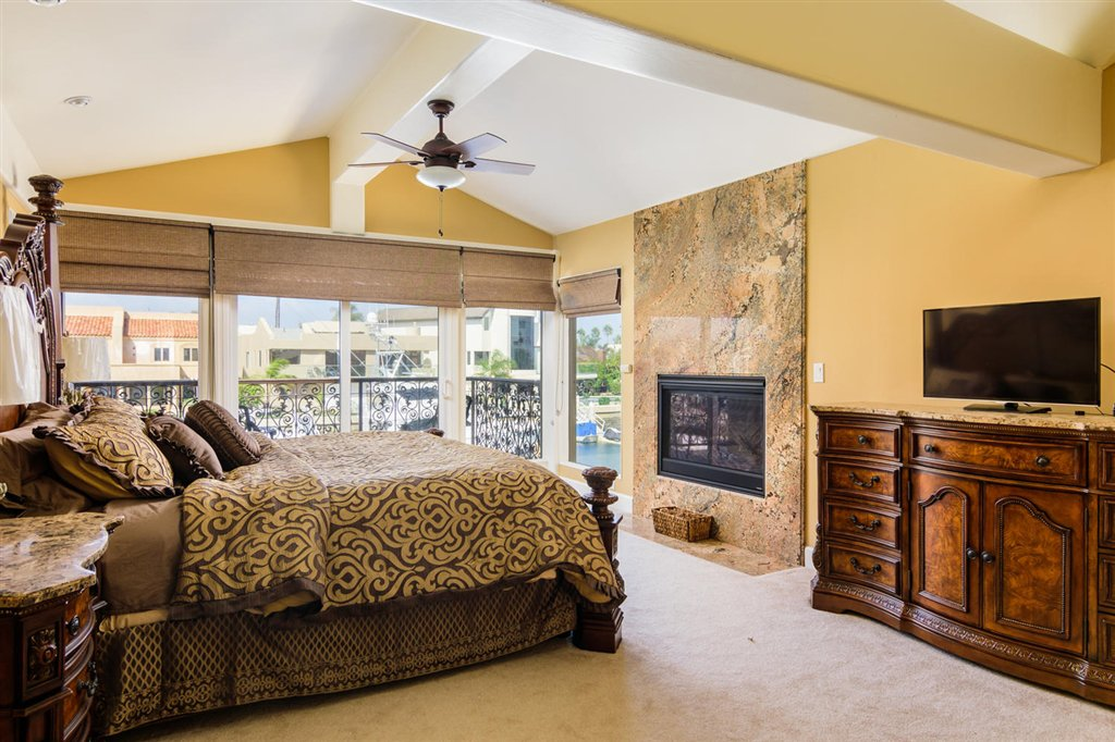 Photo 17: Photos: CORONADO CAYS House for sale : 4 bedrooms : 39 Green Turtle Road in Coronado