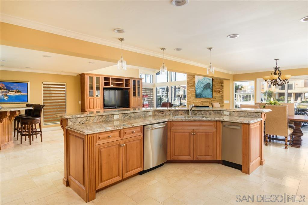 Photo 7: Photos: CORONADO CAYS House for sale : 4 bedrooms : 39 Green Turtle Road in Coronado