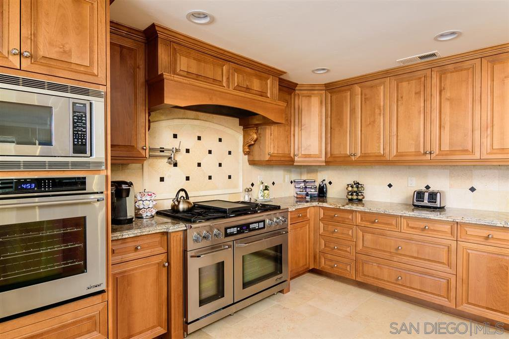 Photo 6: Photos: CORONADO CAYS House for sale : 4 bedrooms : 39 Green Turtle Road in Coronado