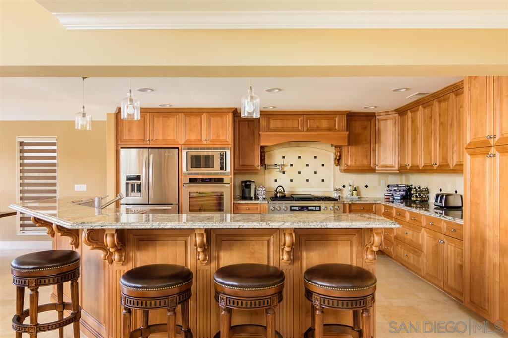 Photo 5: Photos: CORONADO CAYS House for sale : 4 bedrooms : 39 Green Turtle Road in Coronado