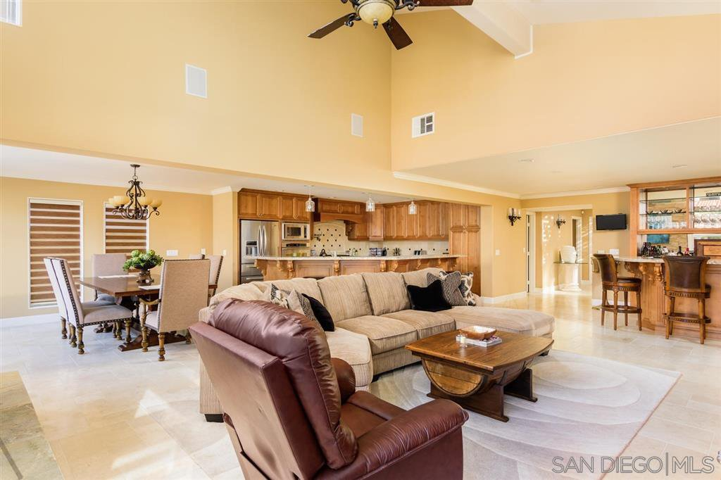 Photo 9: Photos: CORONADO CAYS House for sale : 4 bedrooms : 39 Green Turtle Road in Coronado