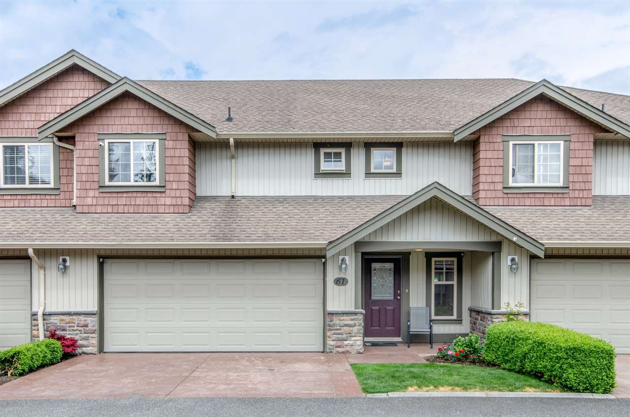 "Main Photo: 61 6887 SHEFFIELD Way in Sardis: Sardis East Vedder Rd Townhouse for sale in ""PARKSFIELD"" : MLS®# R2371812"