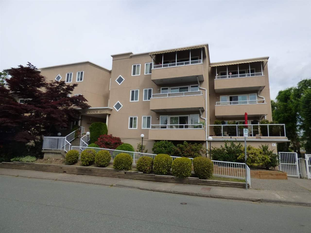 "Main Photo: 1 46005 BOLE Avenue in Chilliwack: Chilliwack N Yale-Well Condo for sale in ""Classic Manor"" : MLS®# R2377307"