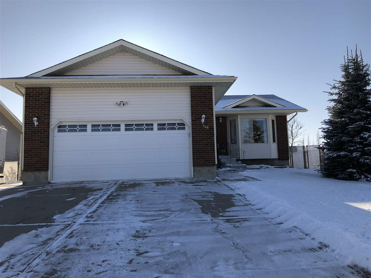 Main Photo: 156 Northbend Drive: Wetaskiwin House for sale : MLS®# E4164098