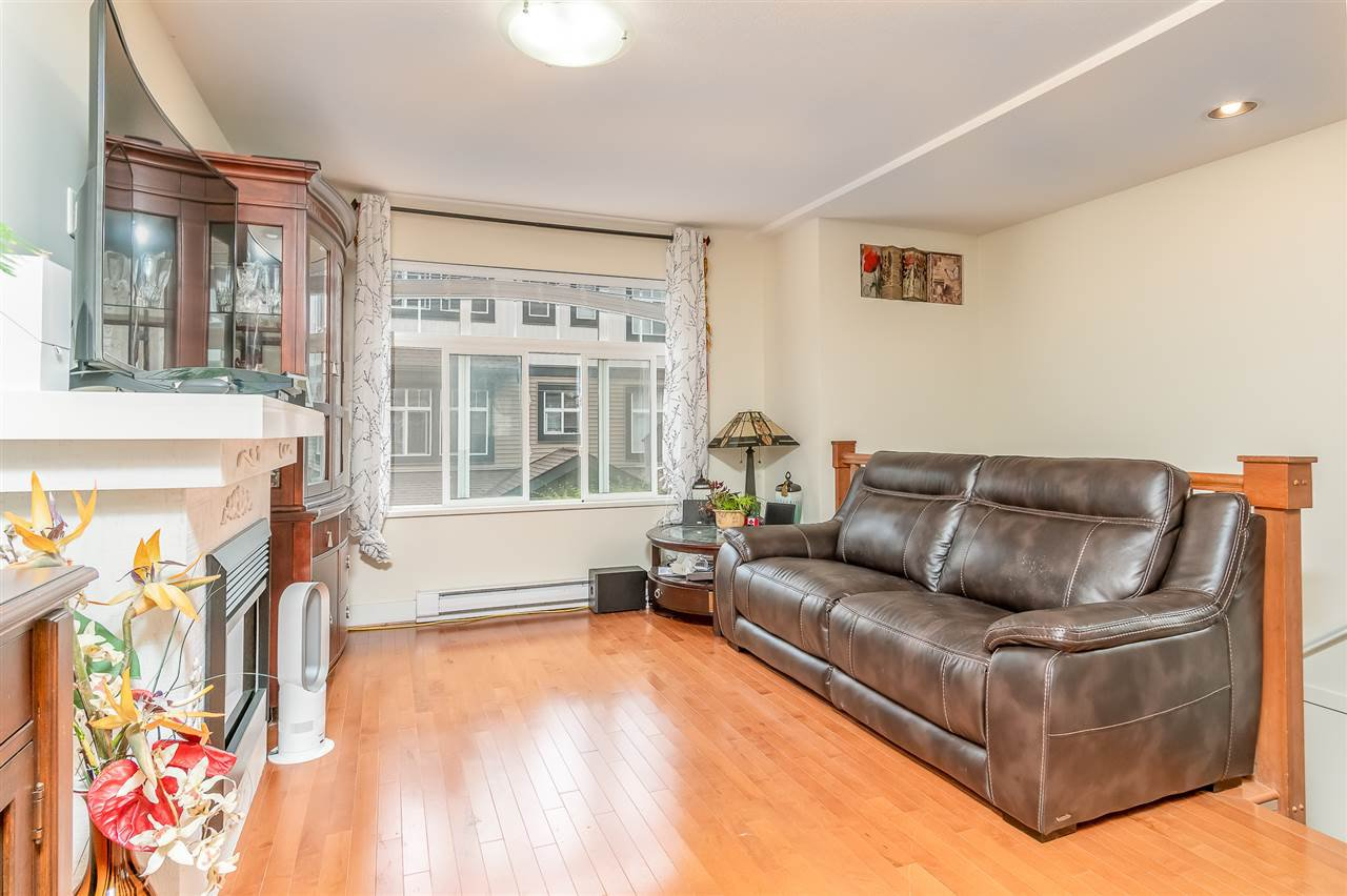 Main Photo: 126 16177 83 Avenue in Surrey: Fleetwood Tynehead Townhouse for sale : MLS®# R2415122