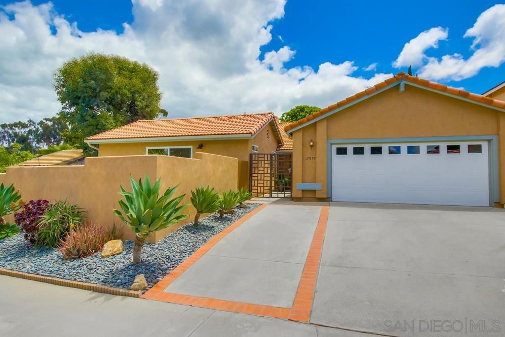 Main Photo: RANCHO BERNARDO House for sale : 5 bedrooms : 17937 Valladares Dr in San Diego