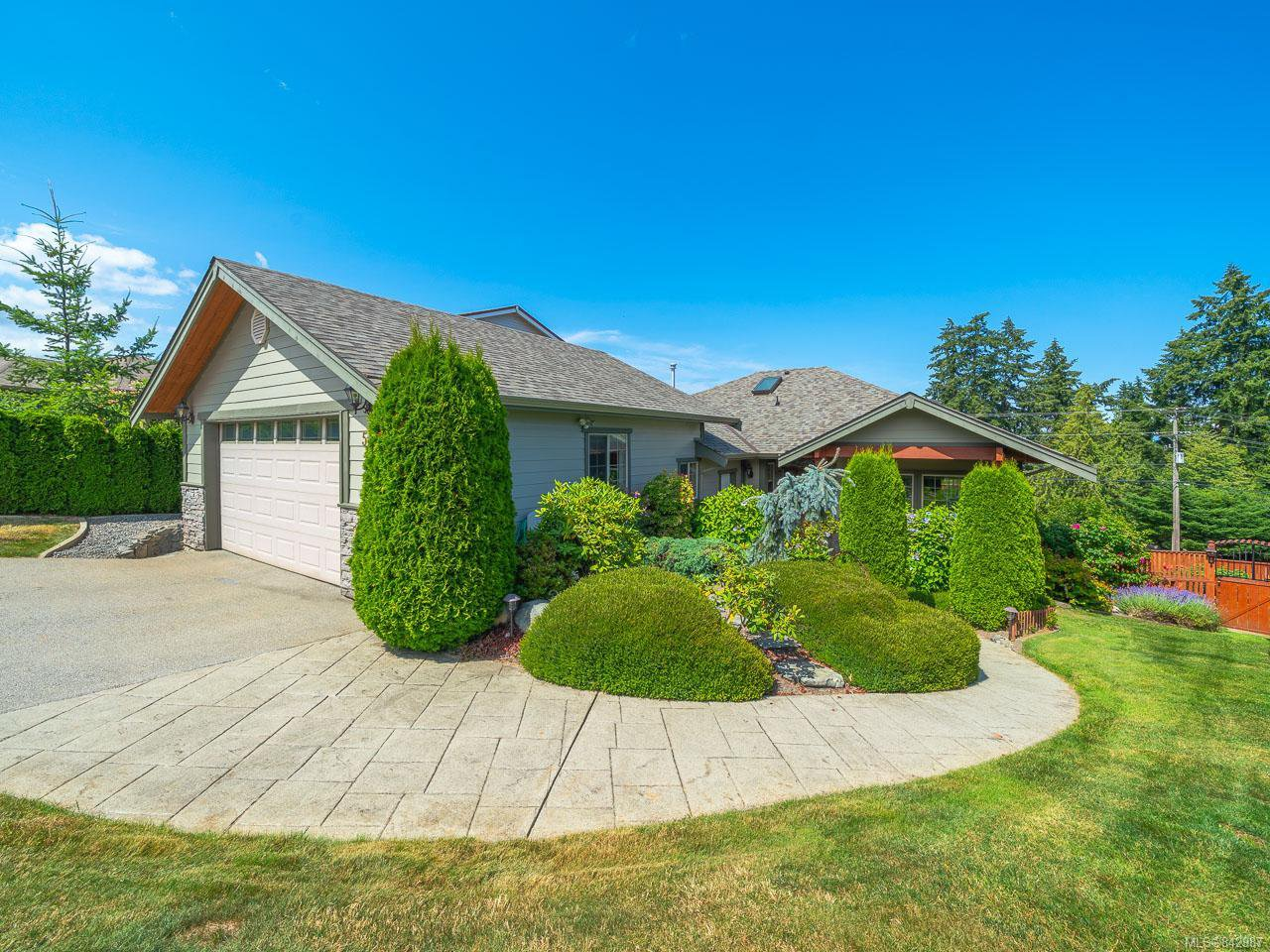 Main Photo: 547 Fourmeaux Cres in LADYSMITH: Du Ladysmith House for sale (Duncan)  : MLS®# 842987