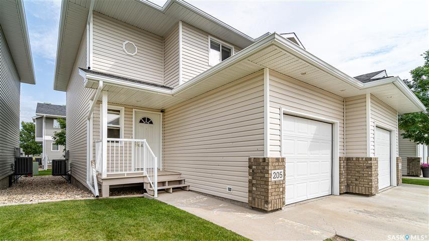 Main Photo: 205 851 Chester Road in Moose Jaw: Hillcrest MJ Residential for sale : MLS®# SK815355