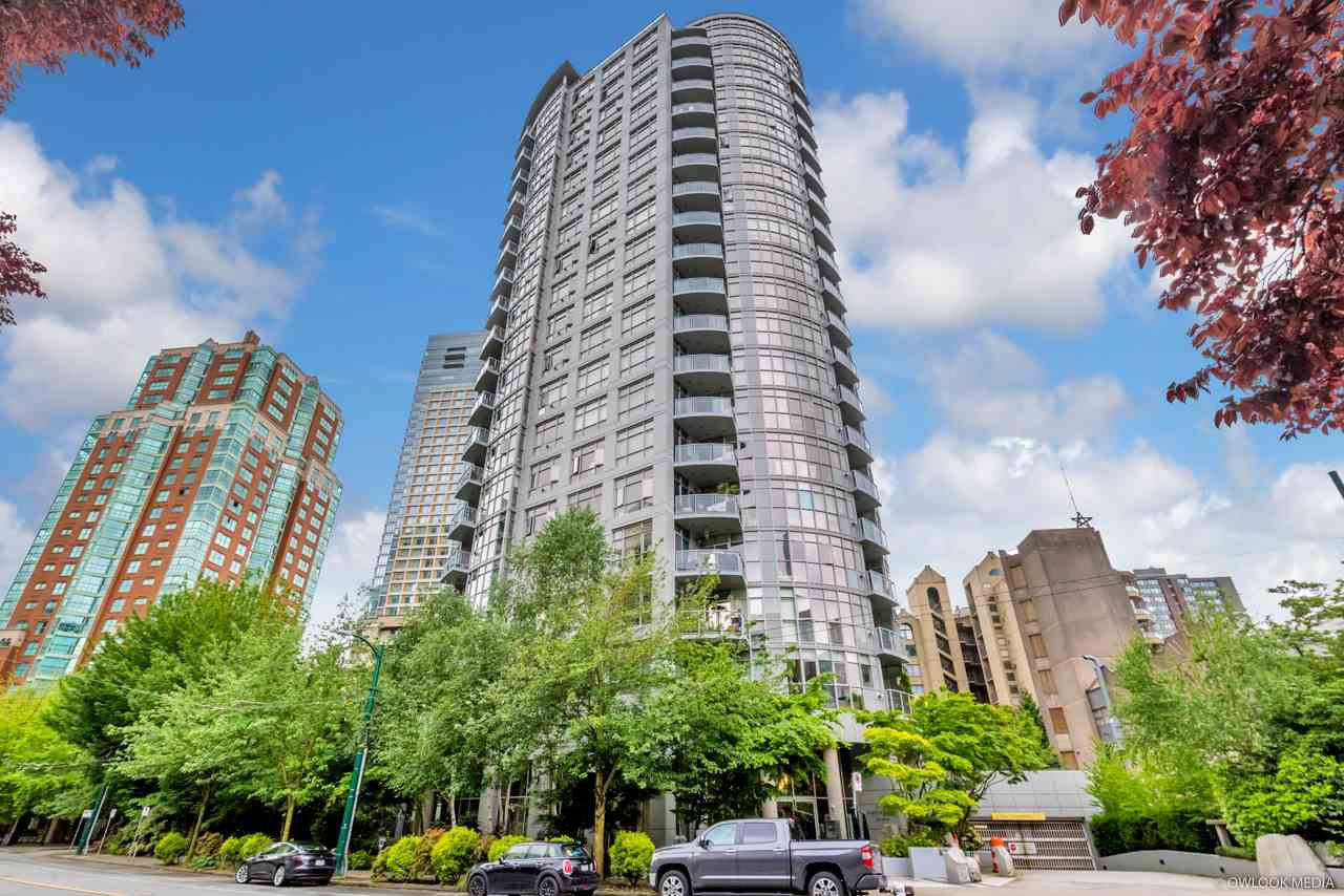 """Main Photo: 1101 1050 SMITHE Street in Vancouver: West End VW Condo for sale in """"THE STERLING"""" (Vancouver West)  : MLS®# R2478324"""