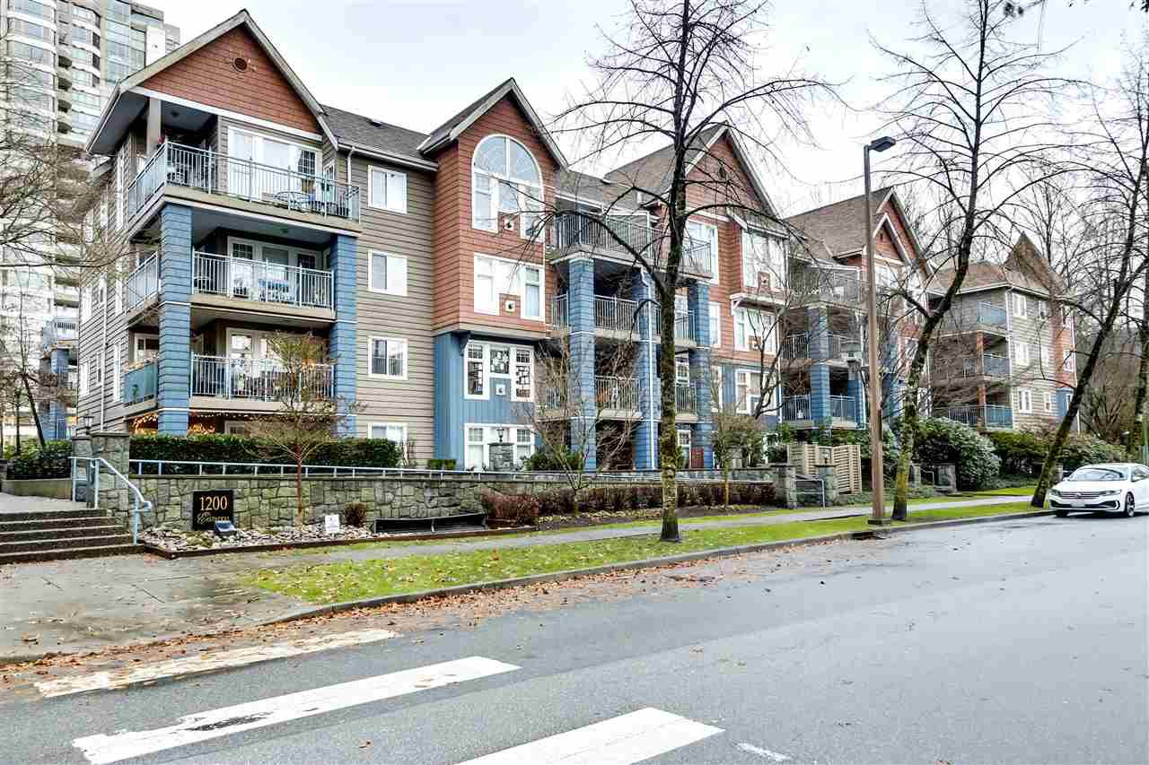 "Main Photo: 207 1200 EASTWOOD Street in Coquitlam: North Coquitlam Condo for sale in ""LAKESIDE TERRACE"" : MLS®# R2525850"