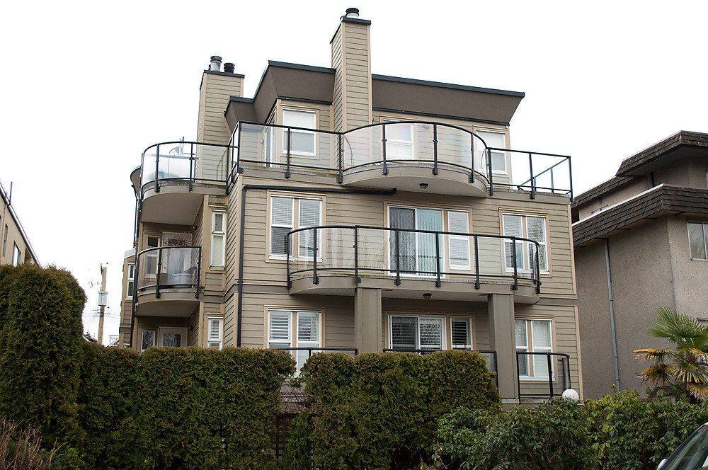 Main Photo: 9 1966 YORK Avenue in Vancouver: Kitsilano Townhouse for sale (Vancouver West)  : MLS®# V872445
