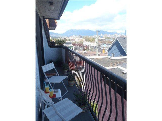 Main Photo: 305 1933 W 5TH Avenue in Vancouver: Kitsilano Condo for sale (Vancouver West)  : MLS®# V1003842