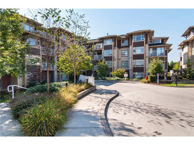 Main Photo: 205 7339 MACPHERSON Avenue in Burnaby: Metrotown Condo for sale (Burnaby South)  : MLS®# V1041731