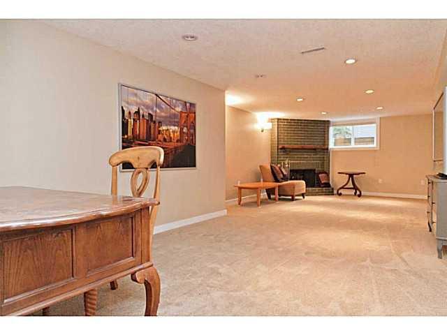 Photo 16: Photos: 55 HAYSBORO Crescent SW in CALGARY: Haysboro Residential Detached Single Family for sale (Calgary)  : MLS®# C3614600
