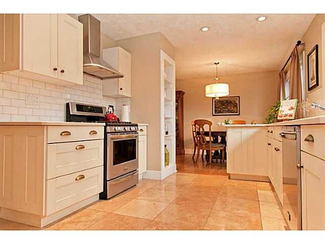Photo 9: Photos: 55 HAYSBORO Crescent SW in CALGARY: Haysboro Residential Detached Single Family for sale (Calgary)  : MLS®# C3614600