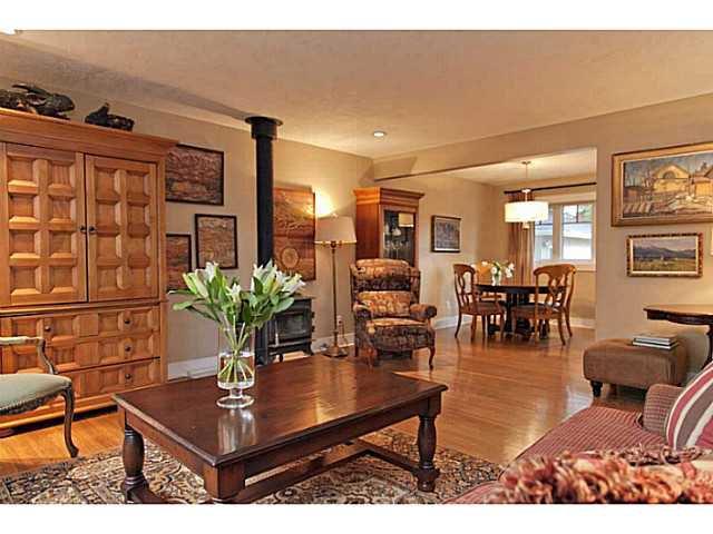 Photo 3: Photos: 55 HAYSBORO Crescent SW in CALGARY: Haysboro Residential Detached Single Family for sale (Calgary)  : MLS®# C3614600